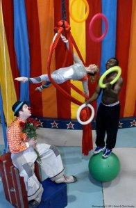 Circus Mojo, cincinnati, clown, aerials, walking globe, juggling, Ludlow